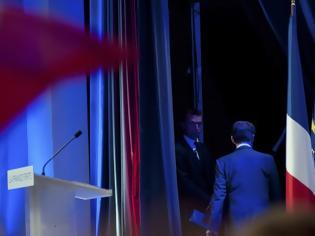 Φωτογραφία για ΔΕΙΤΕ: Ένας πρόεδρος φεύγει... - Adieu Nicolas
