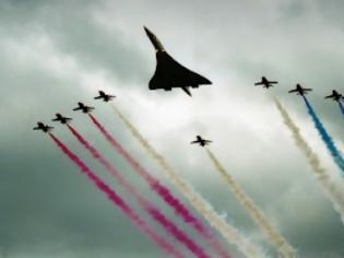 Φωτογραφία για Τελικά, δεν μας  «ψεκάζουν» - Επίσημη απάντηση της Πολεμικής Αεροπορίας
