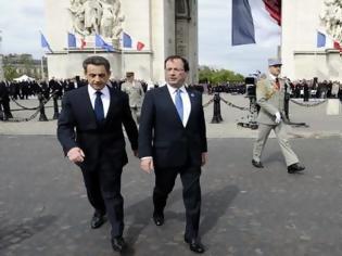 Φωτογραφία για Σαρκοζί και Ολάντ δείχνουν τον δρόμο στούς Έλληνες Προέβαλαν την «ιστορική» εικόνα μιας συμφιλιωμένης Γαλλίας