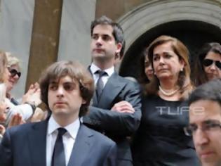 Φωτογραφία για Ντ. Μπακογιάννη: Συντετριμμένη στην κηδεία της μητέρας της