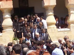 Φωτογραφία για Το ύστατο χαίρε στη Μαρίκα Μητσοτάκη [φωτό]