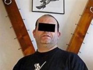Φωτογραφία για Έψαχνε στο ίντερνετ για βασανιστή για τη σύντροφό του