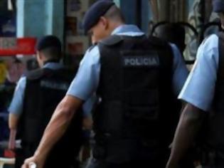 Φωτογραφία για Ο αστυνομικός που εξόργισε ολόκληρο τον πλανήτη...