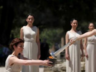 Φωτογραφία για Άναψε η Ολυμπιακή Φλόγα