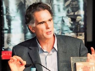 Φωτογραφία για Απο 5 δημοσιογράφους της εφημερίδας «Δημοκρατία» ζητάει 500.000 ευρώ ο Νίκος Παπανδρέου.