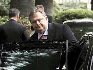 Φωτογραφία για Ο Βενιζέλος... κατέσχεσε το αυτοκίνητο του Σαχινίδη!