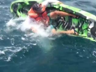 Φωτογραφία για Ψαράς έδωσε «μάχη» με τερατώδες ψάρι - Το βίντεο κόβει την ανάσα