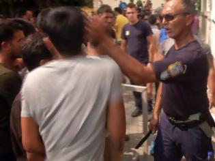 Φωτογραφία για Έδρασα εν βρασμώ, λέει ο νταής αστυνομικός - Θα χυθεί αίμα, λέει ο Δήμαρχος