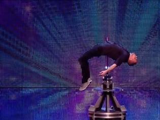 Φωτογραφία για ΣΟΚ: Σφάχτηκε μπροστά στο κοινό στο Βρετανία έχεις ταλέντο - Δείτε τι έγινε στη συνέχεια... [video]