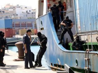 Φωτογραφία για Μισό εκατομμύριο σφαίρες και 5.000 όπλα στα δύο από τα 14 κοντέινερ – Συνεχίζεται η καταμέτρηση των αρχών
