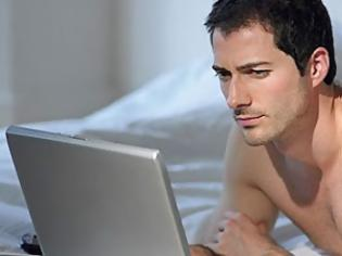 Φωτογραφία για Γιατί οι άντρες που βλέπουν ερωτικές ταινίες είναι πιο χαλαροί και άνετοι