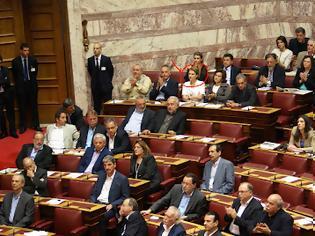 Φωτογραφία για Αποχώρησε από τη Βουλή, η γνωστή Ρεπούση, όταν ο β. Πολύδωρας κάλεσε τους βουλευτές σε ενός λεπτού σιγή στη μνήμη της γενοκτονίας του Ποντιακού Ελληνισμού!!!