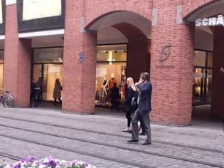 Φωτογραφία για Οι ανέμελες βόλτες του Χριστοφοράκου στο Μόναχο [ΦΩΤΟΡΕΠΟΡΤΑΖ]
