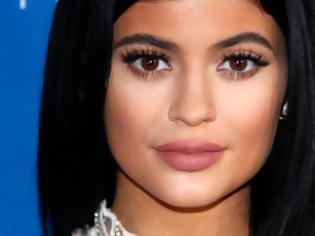 Φωτογραφία για Άλλαξε look στα μαλλιά της η Kylie Jenner... [photos]
