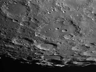 Φωτογραφία για Παγκόσμια ανησυχία: Τι είδαν πάνω στη Σελήνη και τρόμαξαν; [video]