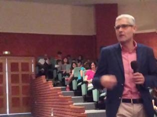 Φωτογραφία για Μεγάλο το ενδιαφέρον στην ομιλία του Άγγελου Τσιγκρή στη Ναύπακτό για τη βία των ανηλίκων [photos]