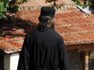 Φωτογραφία για O παπάς άφησε την εκκλησία και πήγε στο αεροδρόμιο να...