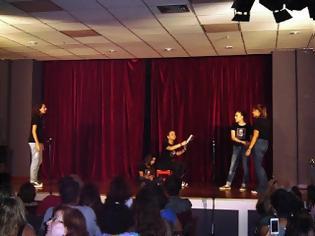 Φωτογραφία για Τα άπαντα του Σαίξπηρ σε μία ώρα» από τη Νεοσύστατη Θεατρική Ομάδα μαθητών Δημοτικού και Γυμνασίου του Συλλόγου Πελοποννησίων