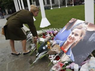 Φωτογραφία για Βρετανία: Δίωξη για ανθρωποκτονία στον Μέιρ για τη δολοφονία της Τζο Κοξ