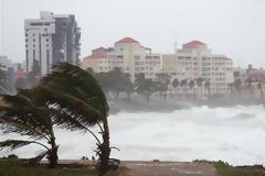 Ανατολικά της Χαβάης η τροπική καταιγίδα Μαντλίν