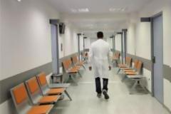 Οι νοσοκομειακοί γιατροί ανησυχούν για αλλαγές στα ειδικά μισθολόγια