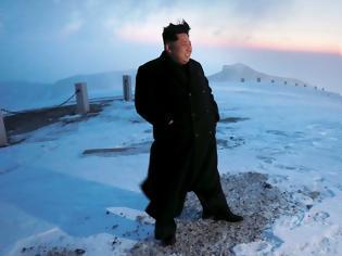 Φωτογραφία για «130 επιστήμονες μάχονται για να κρατήσουν στη ζωή τον Κιμ Γιονγκ Ουν»