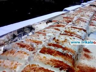Φωτογραφία για Η μεγαλύτερη πουτίγκα στον κόσμο παρασκευάστηκε στην Καρδίτσα! [video]