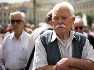 Φωτογραφία για Τα αναπάντητα ερωτήματα στις παροχές Τσίπρα για τη «13η σύνταξη»