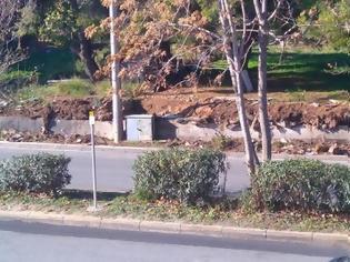 Φωτογραφία για ΑΝΑΓΝΩΣΤΗΣ - Κοιτάξτε τι συμβαίνει στη λ. Λαυρίου [photos]