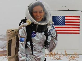 Φωτογραφία για Το «Xρυσό Koρίτσι» της NASA είναι Ελληνίδα και έχει σαρώσει όλα τα βραβεία!
