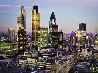 Φωτογραφία για Μέσο φόρο 6% αντί 20% πλήρωσαν για τα κέρδη 2015 οι μεγαλύτερες ξένες τράπεζες της Βρετανίας
