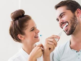 Φωτογραφία για Το πιο συχνό λάθος που κάνεις όταν βουρτσίζεις τα δόντια σου
