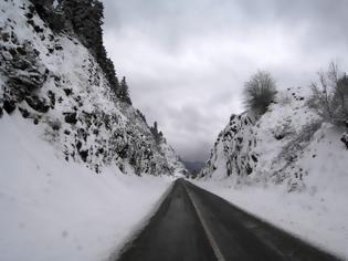 Φωτογραφία για Κρήτη: Εγκλωβίστηκαν τέσσερα άτομα στα χιόνια