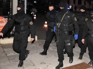 Φωτογραφία για Επιχειρησιακό οδηγό αναγνώρισης τζιχαντιστών, εξτρεμιστών, αναρχικών εξέδωσε η ΕΛ.ΑΣ. – Επίκεινται «κοκτέιλ» τρομοκρατικών επιθέσεων στη χώρα μας