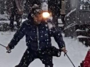 Φωτογραφία για Λαμία: Δείτε να κάνουν σκι στο κέντρο της πόλης