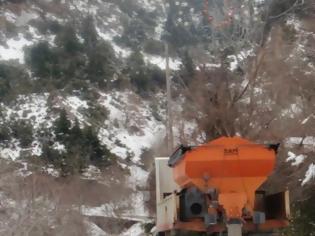 Φωτογραφία για Προβλήματα στους οδικούς άξονες από το χιόνι που έχει ξεπεράσει τους 50 πόντους