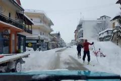 Βγήκαν με τα... σκι, στην Πύλη Τρικάλων!