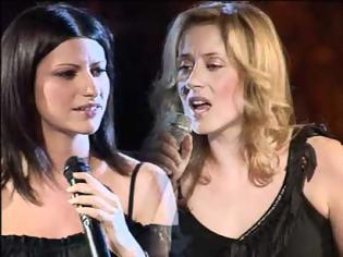 Φωτογραφία για Lara Fabian et Laura Pausini - La solitudine (Dolce Italia 22.08.2002) HQ