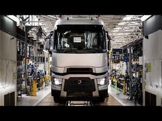 Φωτογραφία για Manufacture of European trucks: Renault Trucks Production Factory