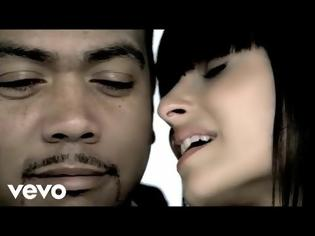 Φωτογραφία για Nelly Furtado - Say It Right (Official Music Video)