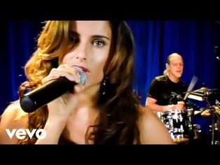 Φωτογραφία για Nelly Furtado - Say It Right (Live)