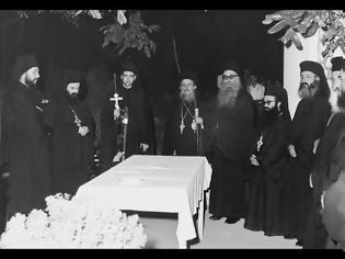 Φωτογραφία για Ο Άγιος Καλλίνικος Εδέσσης τελεί την κουρά του μοναχού Ιεροθέου (νυν Μητροπολίτου Ναυπάκτου), πρίν 50 χρόνια [σπάνιο ηχητικό ντοκουμέντο]