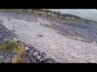 Φωτογραφία για Νέα Ζηλανδία δημιουργήθηκε ποτάμι από... πέτρες